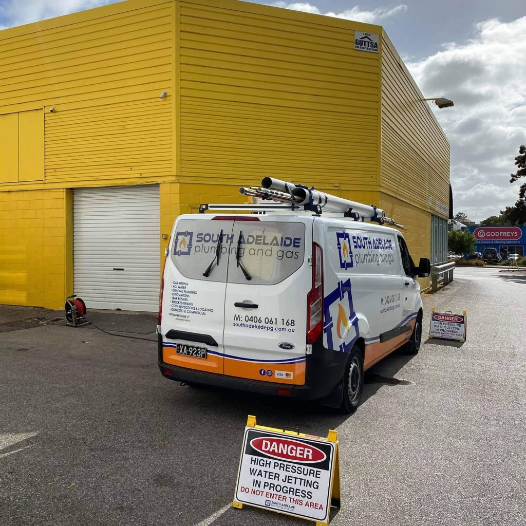 Hydrojet-Drain-Cleaning-in-adelaide