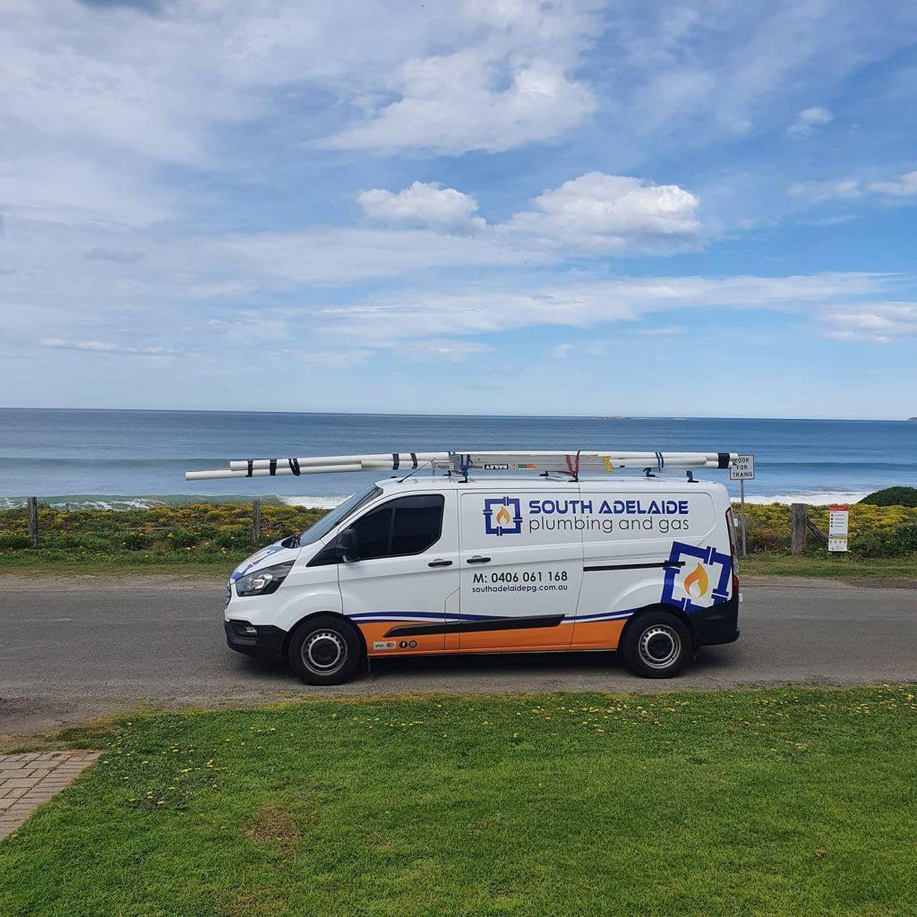 Hallett Cove plumber stops for a scenic luncbreak